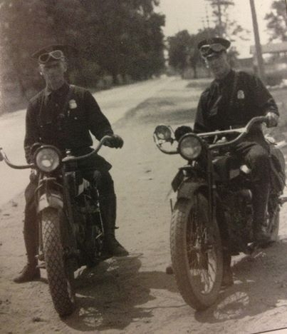 In 1924 The Michigan State Police Traded Its Horses For Motorcycles Msp97bday Https Www Face Vintage Harley Davidson Motorcycles Riding Motorcycle Police