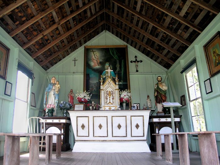 Small Chapel By John B Chandler Chapel Colorful Interiors Church