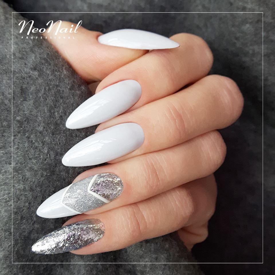 Chrome Flakes Effect Pylek Paznokcie Hybrydowe Neonail Silver Nails Christams Nails Trendy Nails