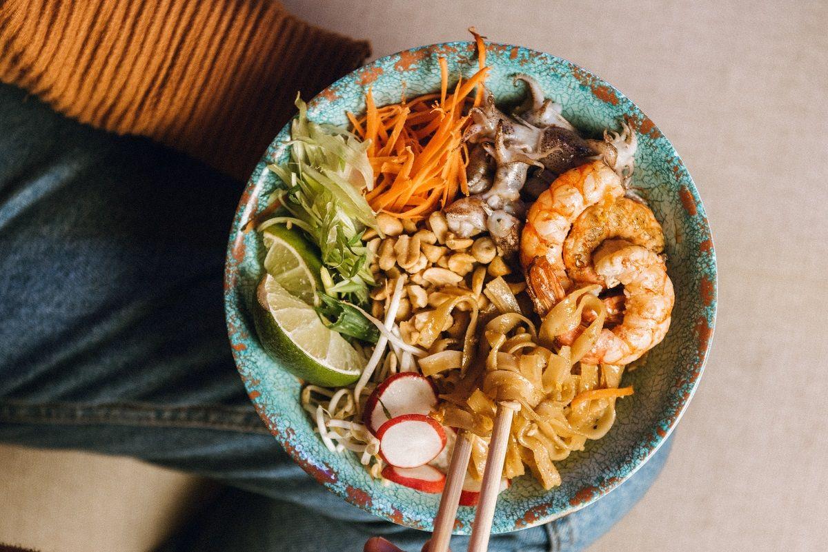 Pad thai come farlo in casa con la ricetta di tuk tuk