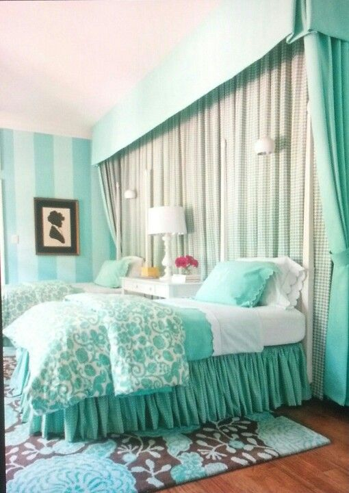 Tiffany blue girls room.... I would like it better in pink.. Though ha