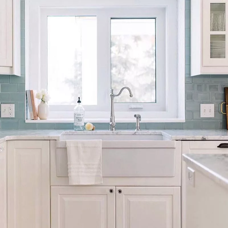 33 Inch Reversible Fireclay Farmhouse Sink With Decorative Lip