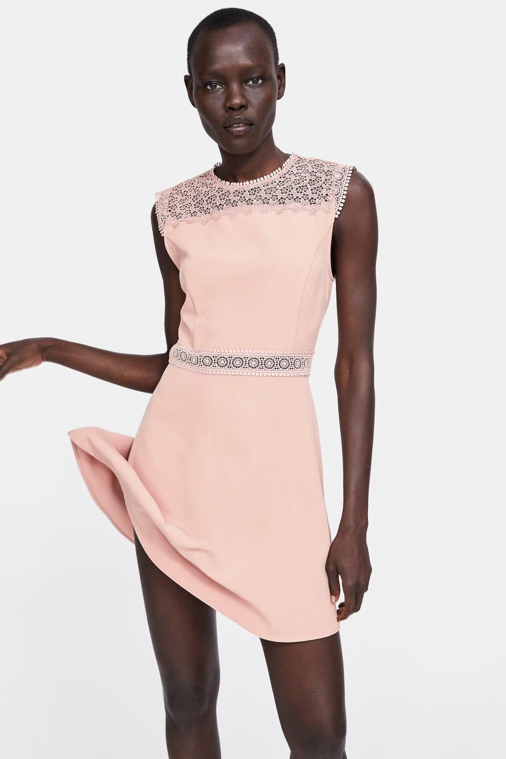 contrasting lace dress | kurze damenkleider, spitzenkleid