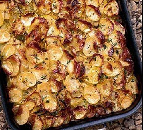 Buttery roast thyme potatoes