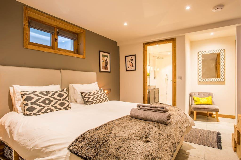 Location Chamonix Airbnb Location Luxueux Appartement A Chamonix D Une Chambre Avec Jacuzzi Iziva Com Chambres Luxueuses Appartement Jacuzzi