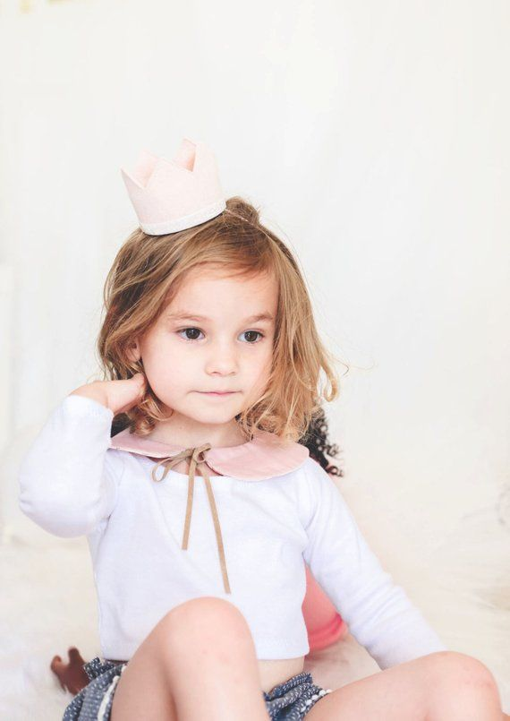 First Birthday Crown || Blush and Gold Felt Crown || 2nd Birthday Crown || Girl Birthday Crown || Birthday Crown #feltcrown