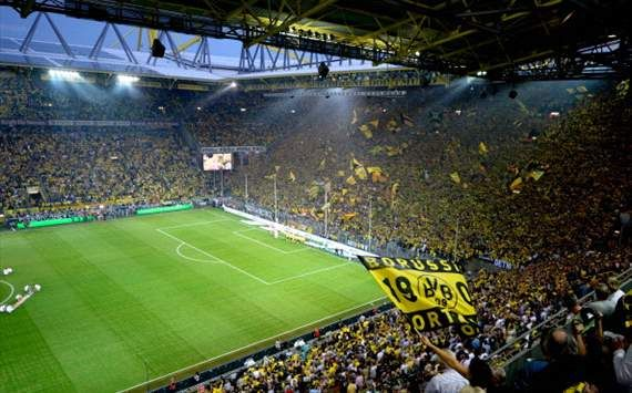 borussia dortmund stadium stadiums pinterest. Black Bedroom Furniture Sets. Home Design Ideas