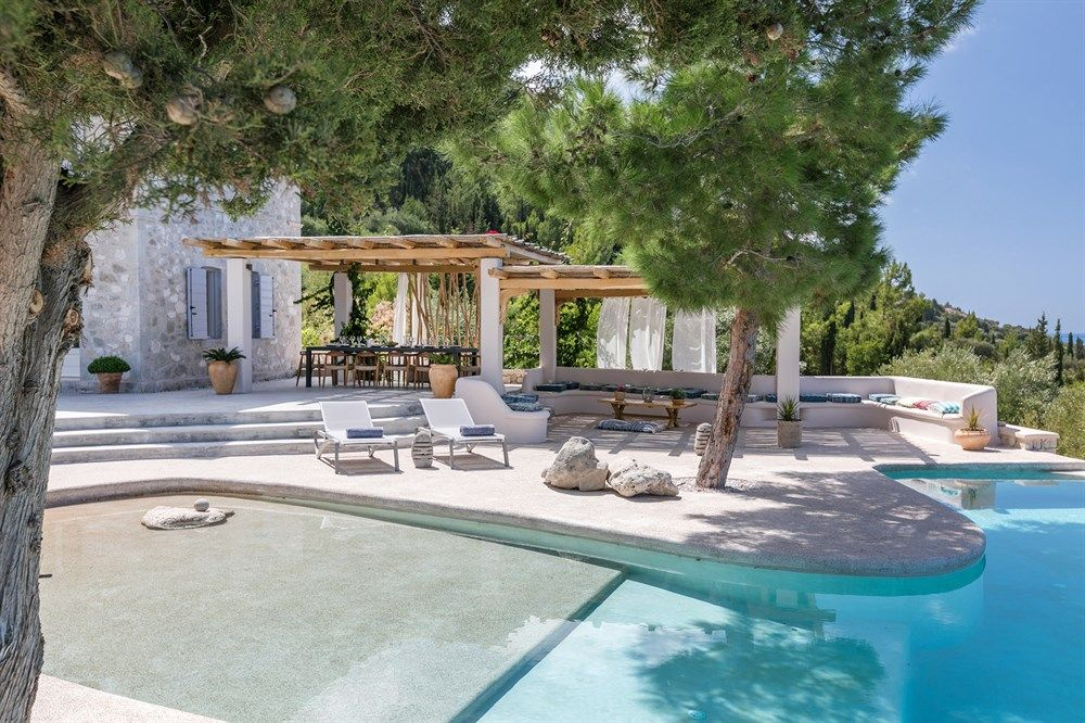 Madreterra - a spacious luxury villa with fabulous pool