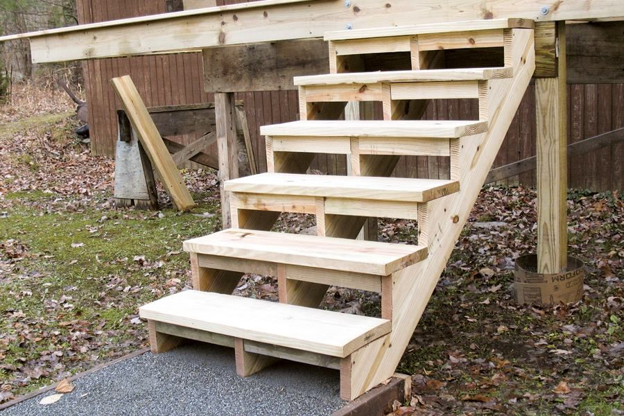 Building and Installing Deck Stairs (With images) Deck