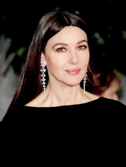 """I need more Monica Bellucci on my dash (40 of ?)"""