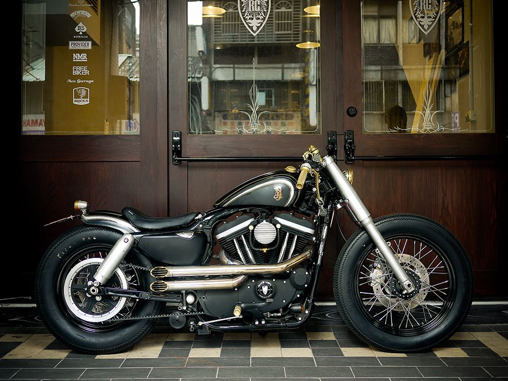 8 Gorgeous Old School Motorcycles Rebuilt Into Modern Classics
