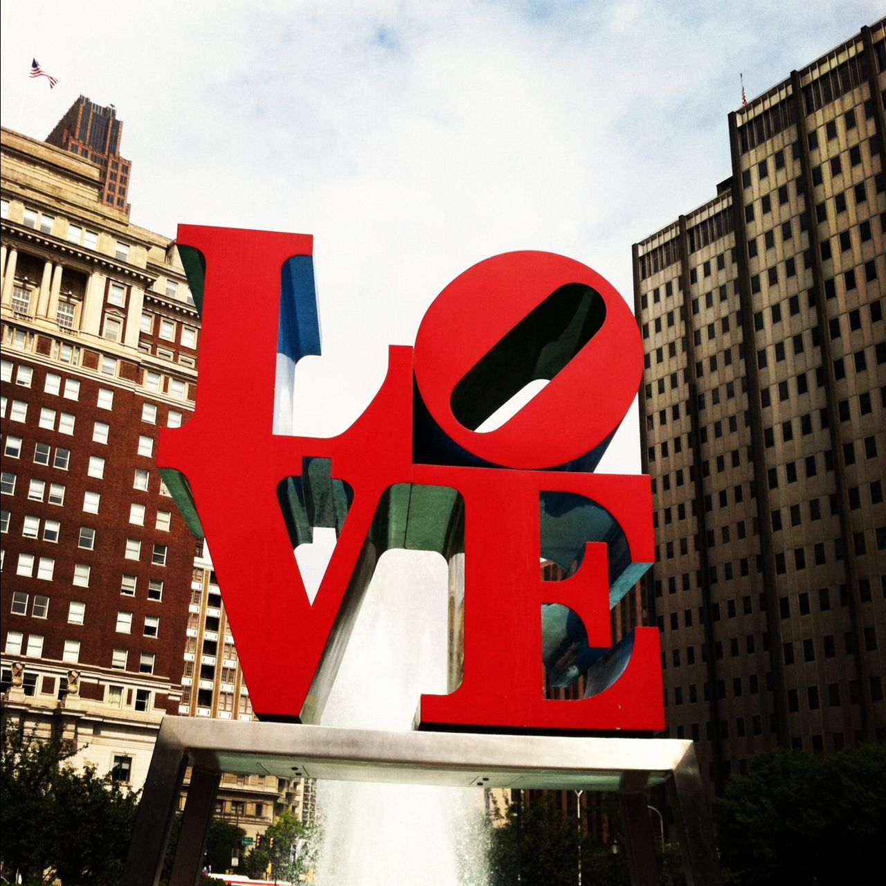Love Statue Downtown Philly If You Love Outdoor Sculpture And Murals Philadelphia Is A Great City For Both Love Statue Visit Philadelphia Outdoor Sculpture