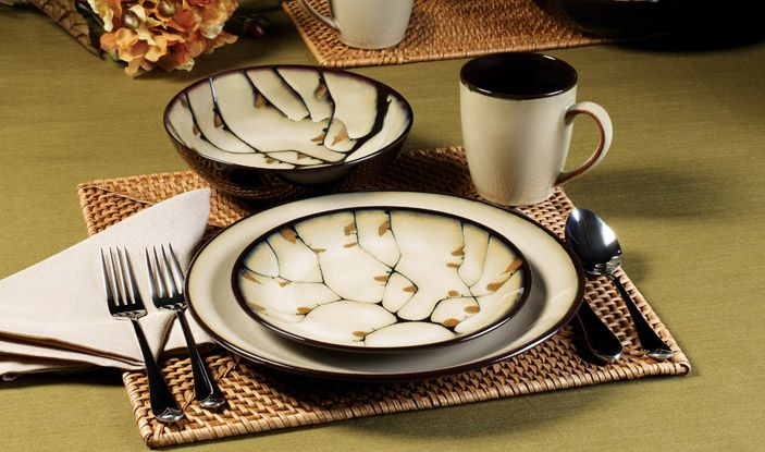 Salad Plate & Salad Plate | Dinnerware and Kitchens