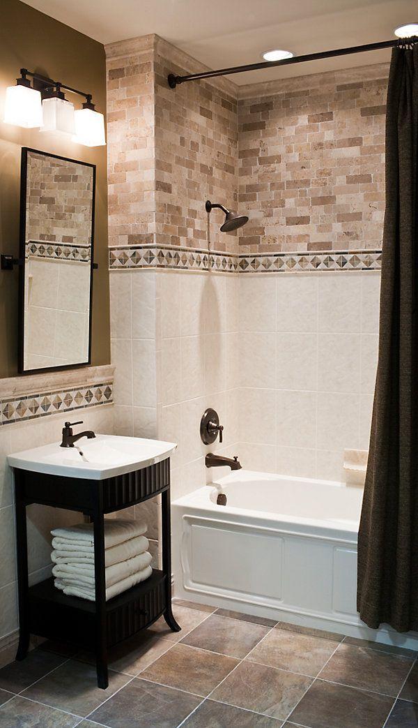Dos tipos de cerámicos - No digo éstos porque no me gustan /   idea for private bath, still do a drop in tub, but do an accent tile above to give a custom look without having to do the whole surround.