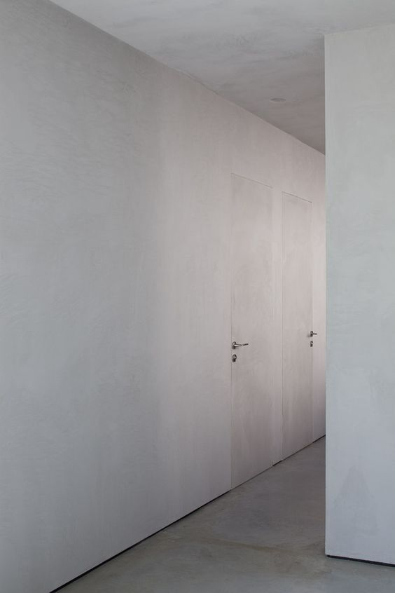 portas dos banheiros