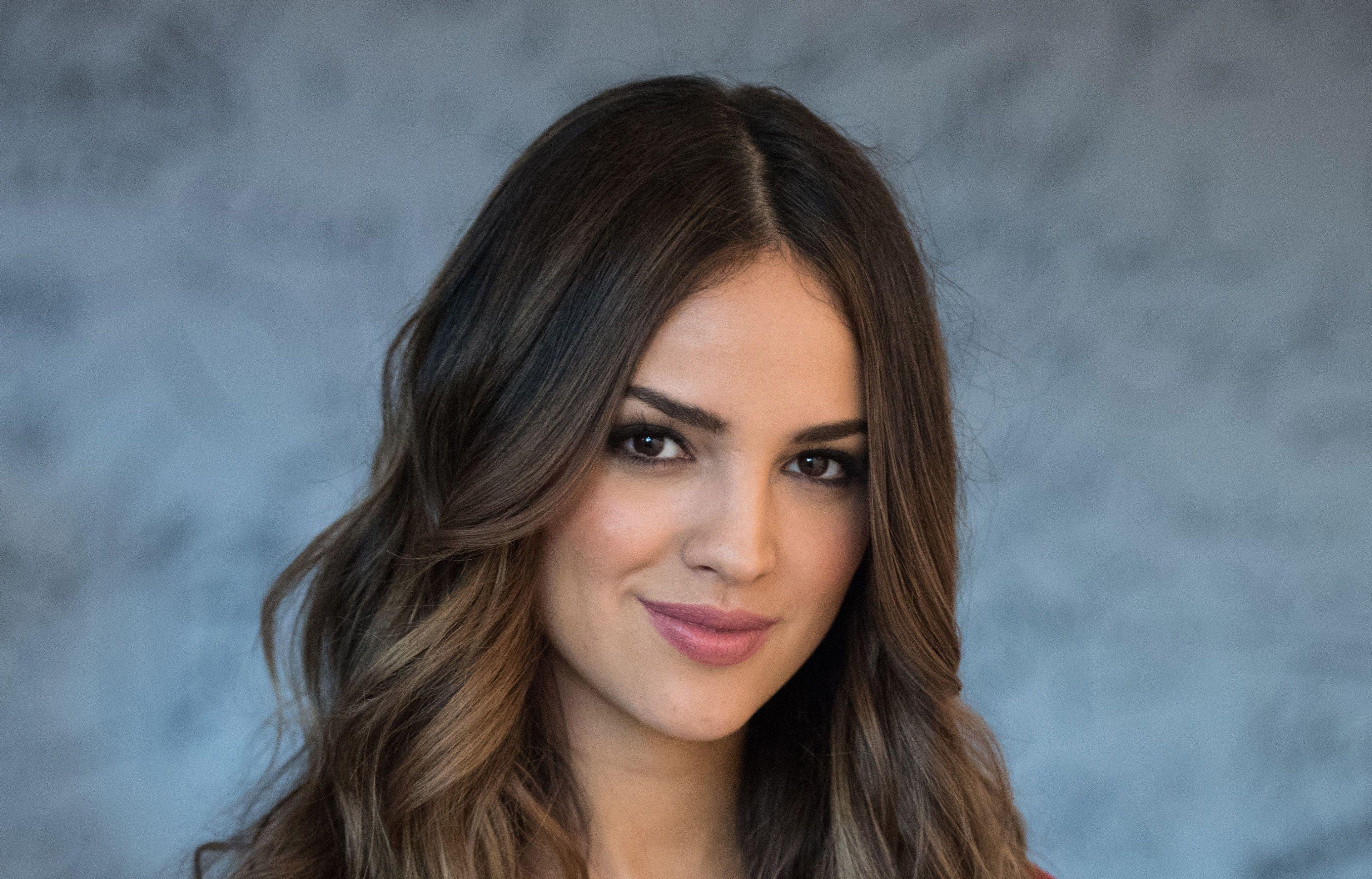 3840x2462 Eiza Gonzalez 4k Free Download Hd Wallpaper Eiza Gonzalez Mexican Actress Beauty