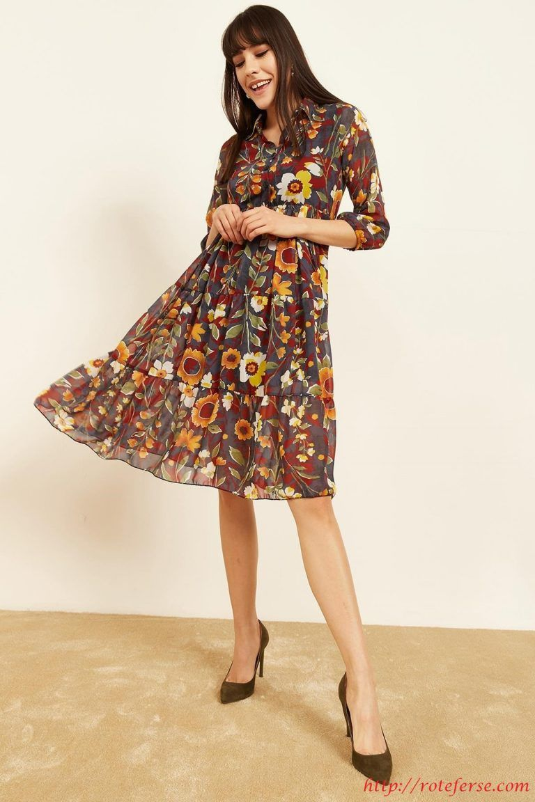 Chiffon-Kleid mit Blumendruck #frühlingsoutfit #sommermode