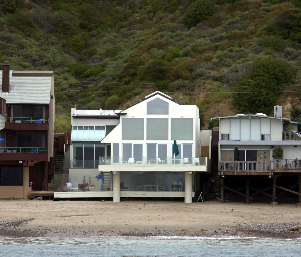 Tour Pacific Coast Highway in Malibu - Beverly Hills Homes ...