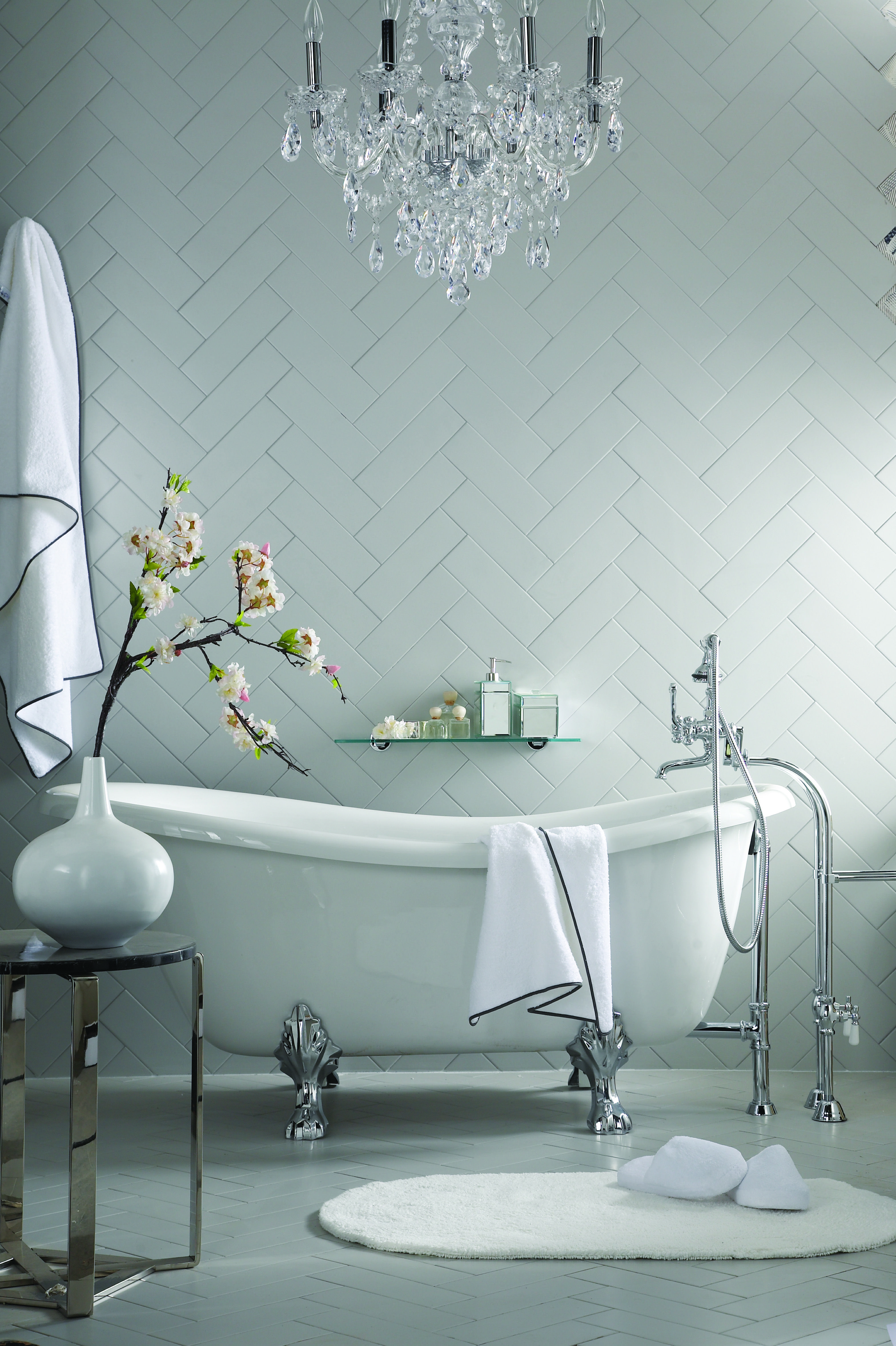 Turn your bathroom into a luxurious getaway with a dramatic soaker ...