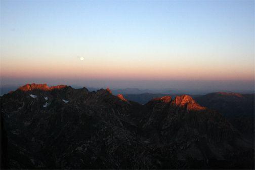 Sunrise from Mt. Zirkel in the Mt. Zirkel Wilderness. Photography by Dagny McKinley