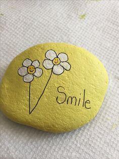 Schöne Blumen auf Stein gemalt! # Schöne # Blumen # gemalt # Stein