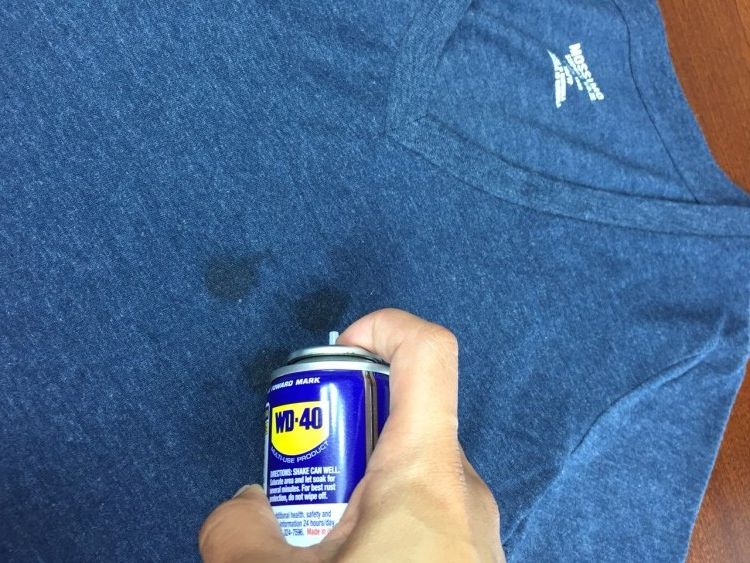 How do you remove oil stains from clothes?