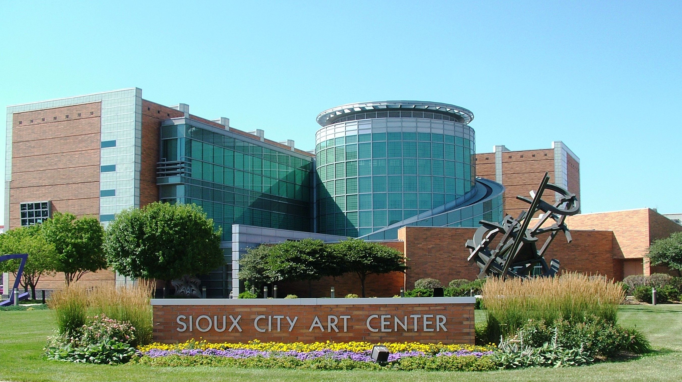 Sioux City Art Center Sioux City Iowa Www Siouxcityartcenter Org City Art Sioux City Art Center