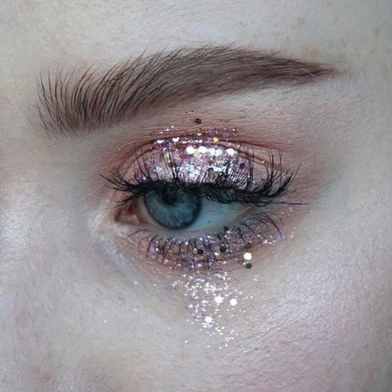 """Sara Engel on Instagram: """"This was supposed to be a nude look, but I slipped and fell in glitter 