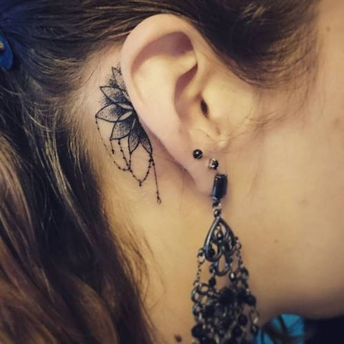 Behind Ear And Tattoo Image Behind Ear Tattoos Tattoos Trendy Tattoos