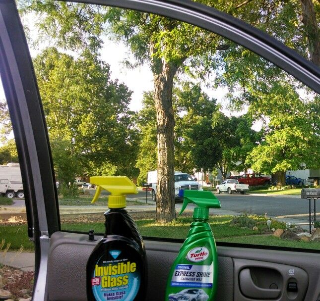 how to clean a car without streaks