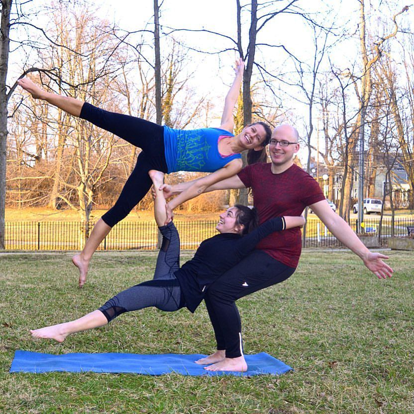 Lori Kaufman Tren Instagram Ever Look At A 3 Person Pose And Wonder How They Got Into It Well Tonight S Yo Group Yoga Poses 3 Person Yoga Poses Partner Yoga