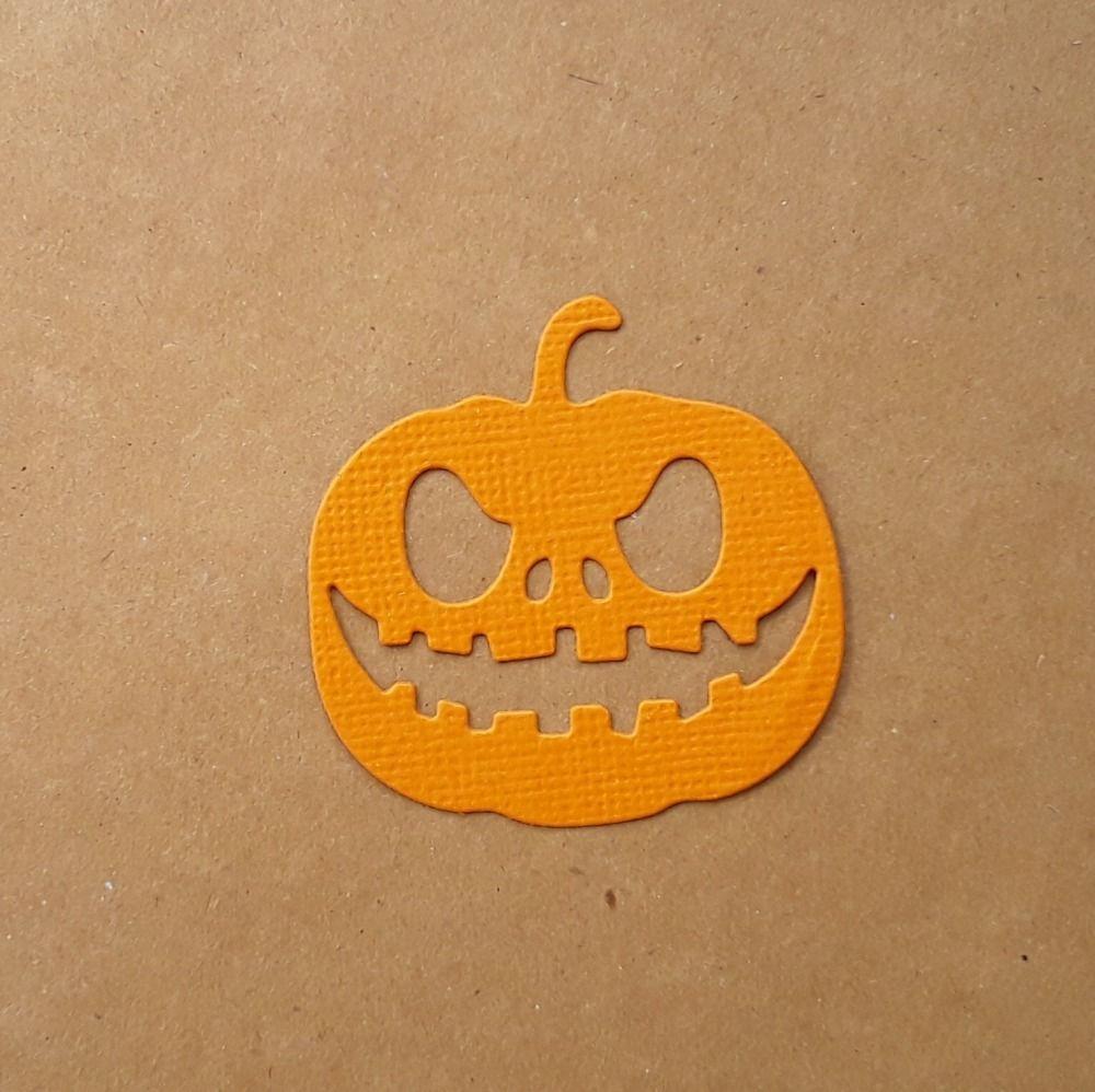 Découpe citrouille en papier jaune orangé, halloween