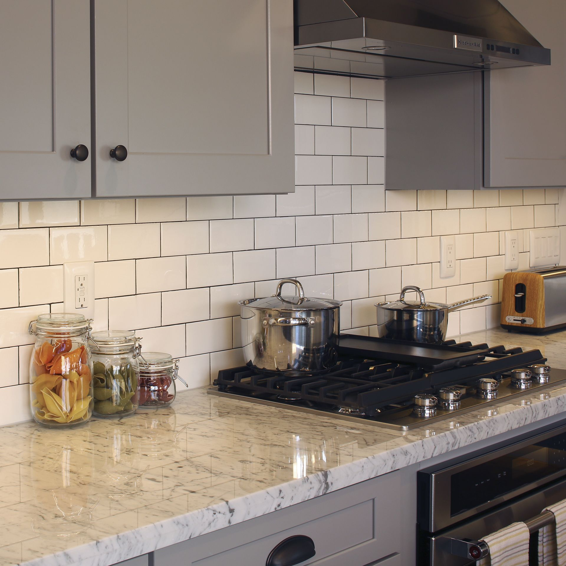 Kitchen Close Up Featuring Rittenhouse Square In Arctic