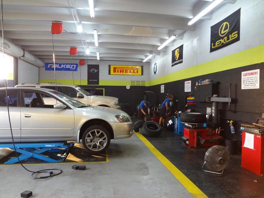 Foto de Mr Goma Tires - Miami, FL, Estados Unidos. Full Service. Installation, Computer Balancing, Alignment.