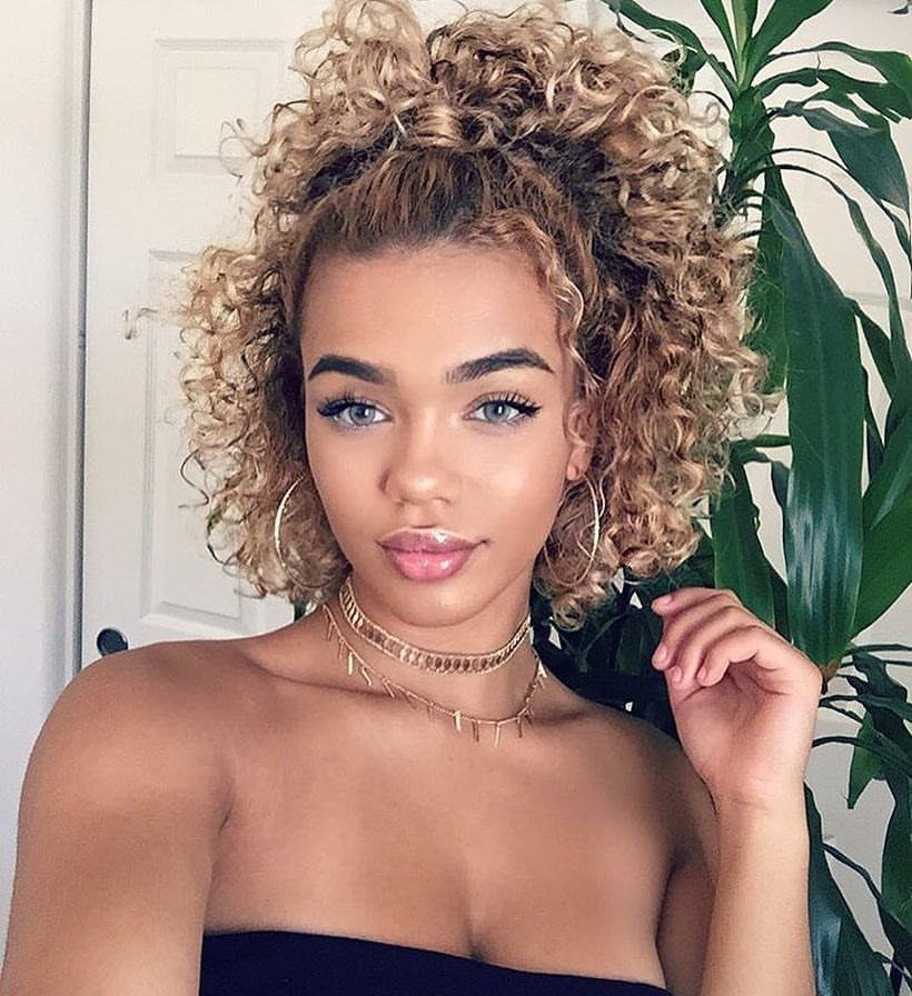How to style short curly hair with mousse-7646