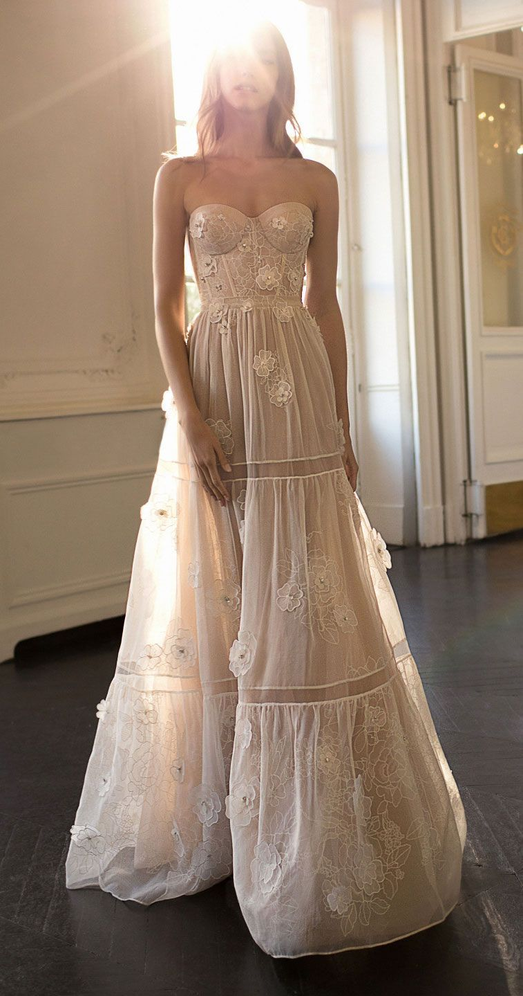 Amazing bohemian wedding gown