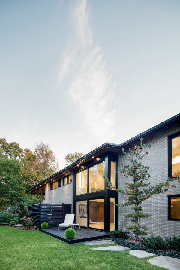 60s House Goes Modern While Keeping Its Soul Design Milk Prairie Style Houses Architecture Prairie Style Architecture