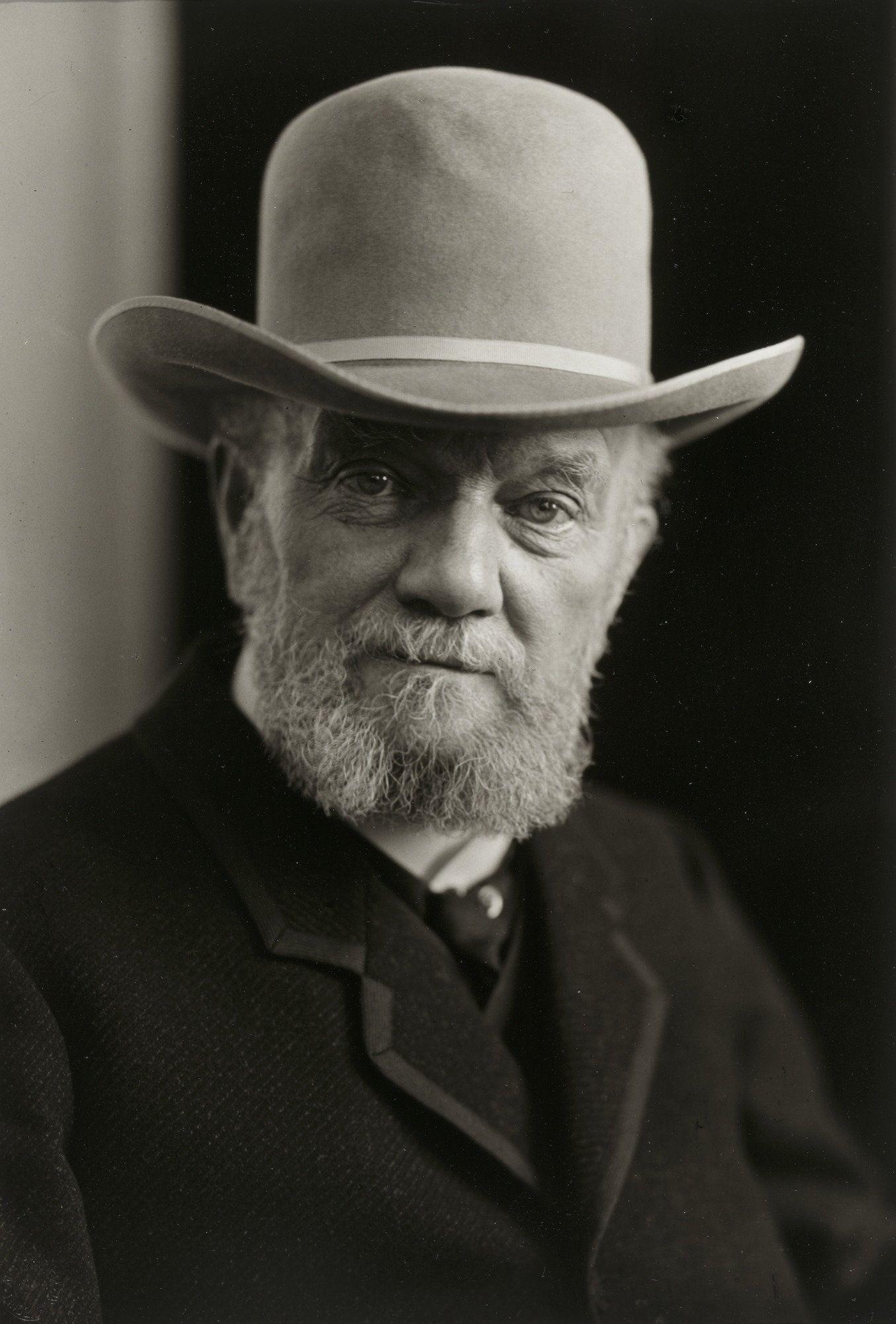 August Sander. The Manufacturer. 1906-14.