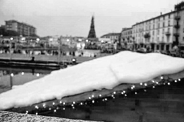#foto #fotografia #milano #italy #milanodavedere #panorama #insta#pic #landscape #cityscape #landscapephotography #blackandwhite #instablackandwhite #blackandwhitepicture #blackandwhitepictures #loves_united_milano #love_milano#Loves_Milano #darsena #nuovadarsena #world_bnw by carmen.veca