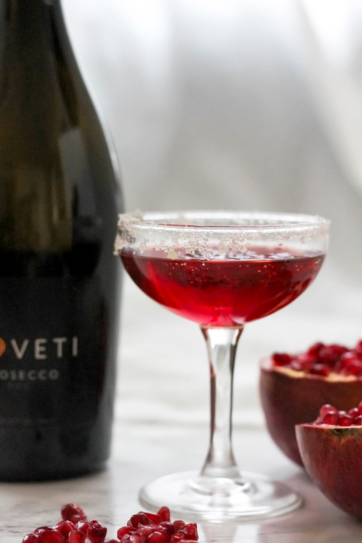 Funkelnder Granatapfel Ingwer Prosecco Cocktail Gebackener Ambrosia In 2020 Prosecco Cocktails Coctails Recipes Delicious Drink Recipes