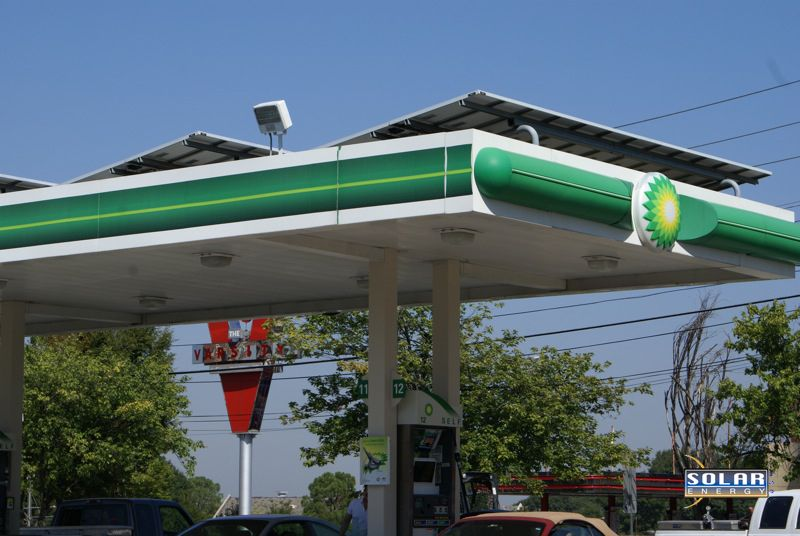 We Recommissioned This Commercial Solar Install At The Bp Gas Station Across From The Varsity In Downtown Atlanta Geo Solar Pv Panel Solar Panels Photovoltaic