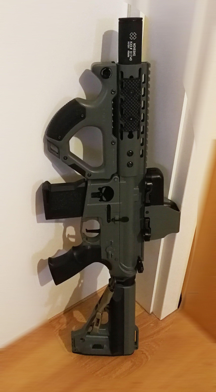 My little CQB M4 (airsoft replica), Custom built/painted