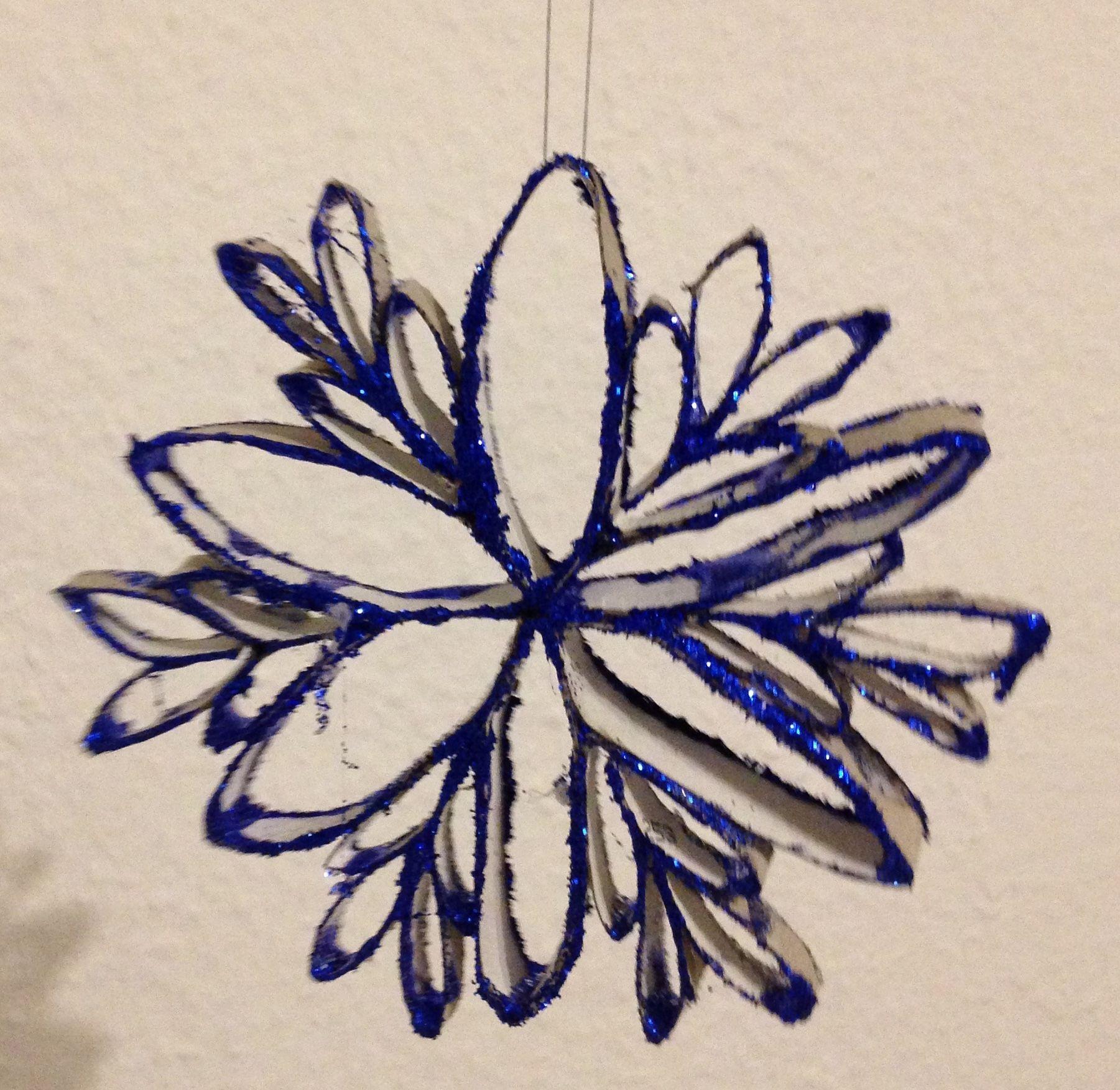 Glitzernde Schneeflocken Und Blumen Aus Klorollen Basteln