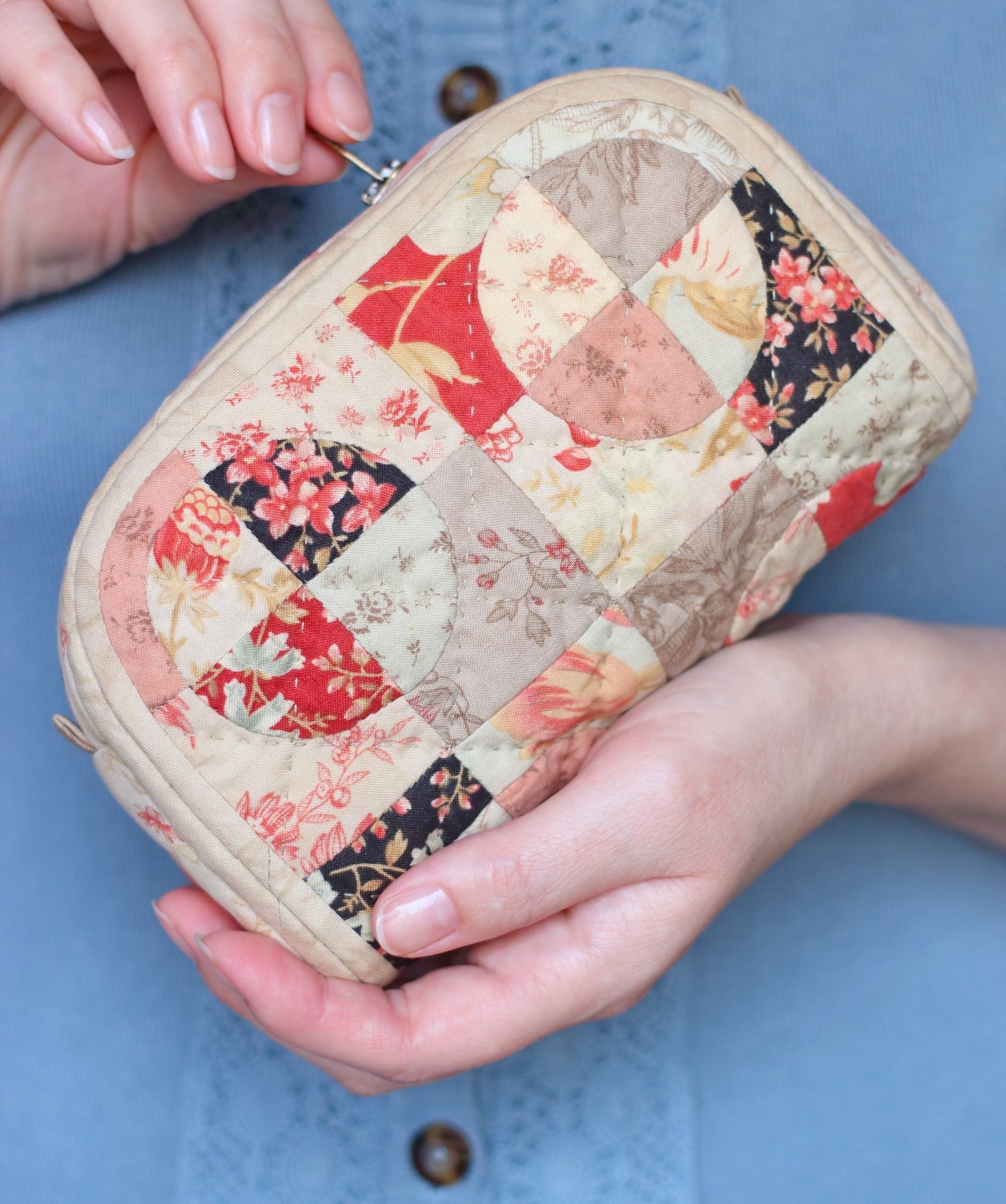 PDF Quilted Pouch Sewing Pattern & Sewing Tutorial, Paper