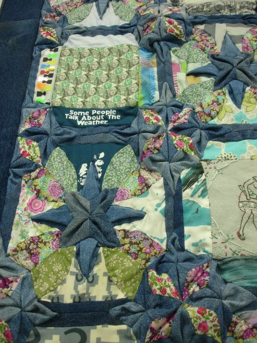 Elvis Robertson - Quilting interesting fabric folding | Quilting