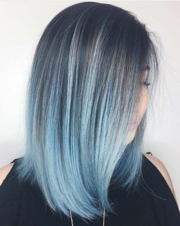 Balayage High Lights To Copy Today Powder Blue Simple Cute And Easy Ideas For Blonde Highlights Dark Blue Ombre Hair Light Blue Hair Medium Hair Styles
