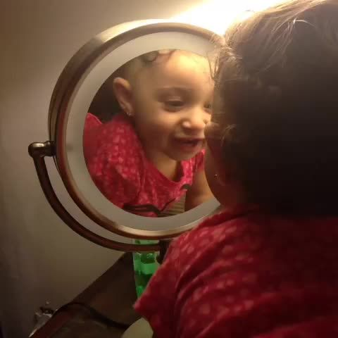 How you look at yourself in the #mirror when you're makeup #onfleek #dafuq