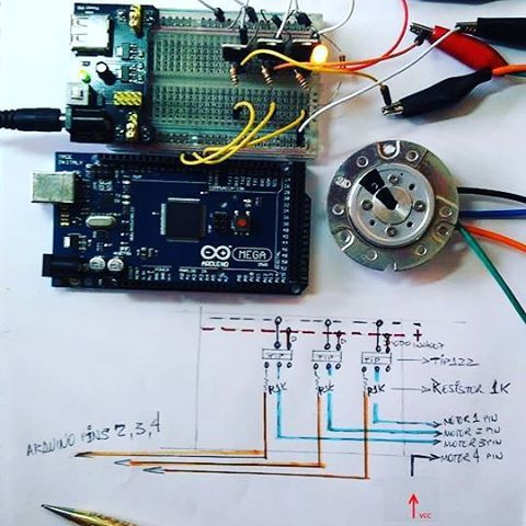 Code and schematic for motor link HD 4 pole brushless ;