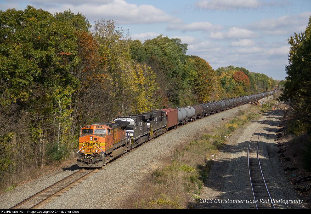 RailPictures.Net Photo: BNSF 5169 Burlington Northern Santa Fe GE C44-9W (Dash 9-44CW) at Guilderland, New York by Christopher Goes