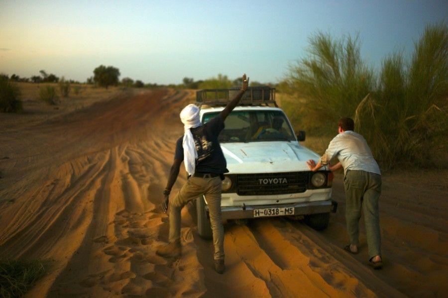 Naša cesta do Timbuktu. Klasická cesta Západnou Afrikou. Keď nezatlačíte, stojíte!
